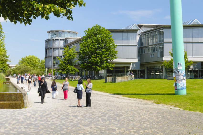 Mediation im Kontext von Hochschule, Fachhochschule und Universität